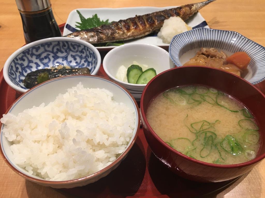 岸和田七宮詣り アヤコ食堂 日替わり定食