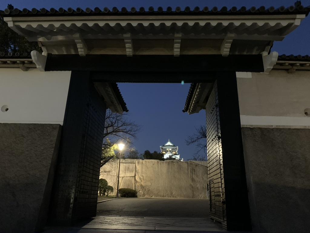 大阪城 夜景 桜門から見た天守閣