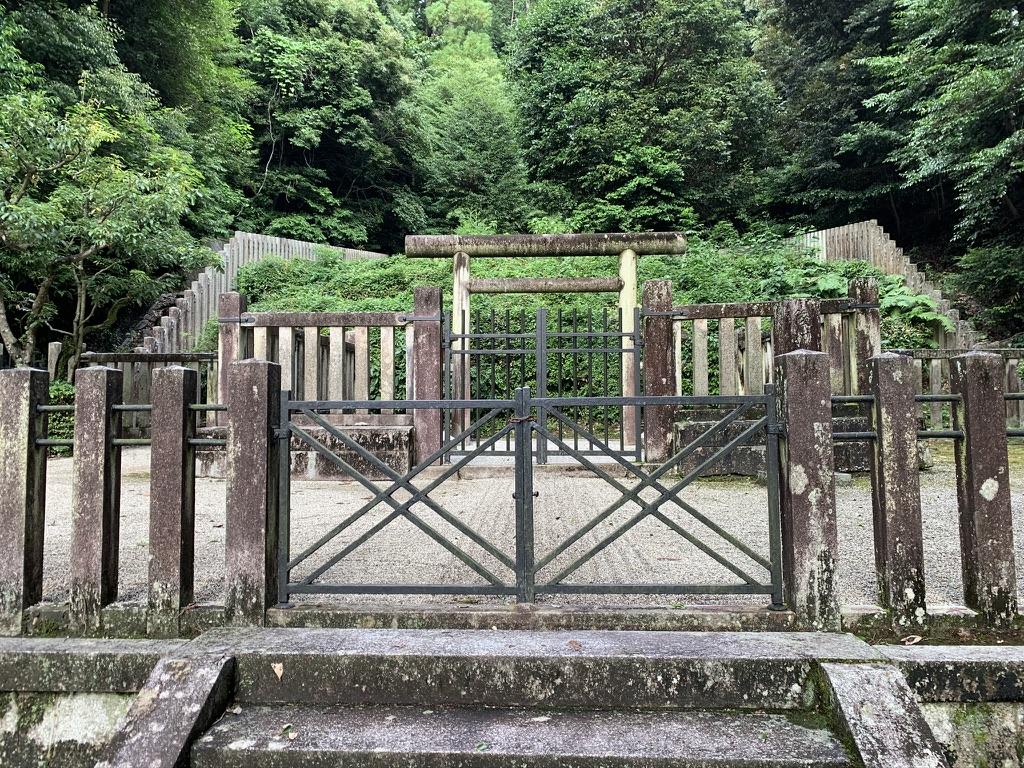観心寺 後村上天皇檜尾陵