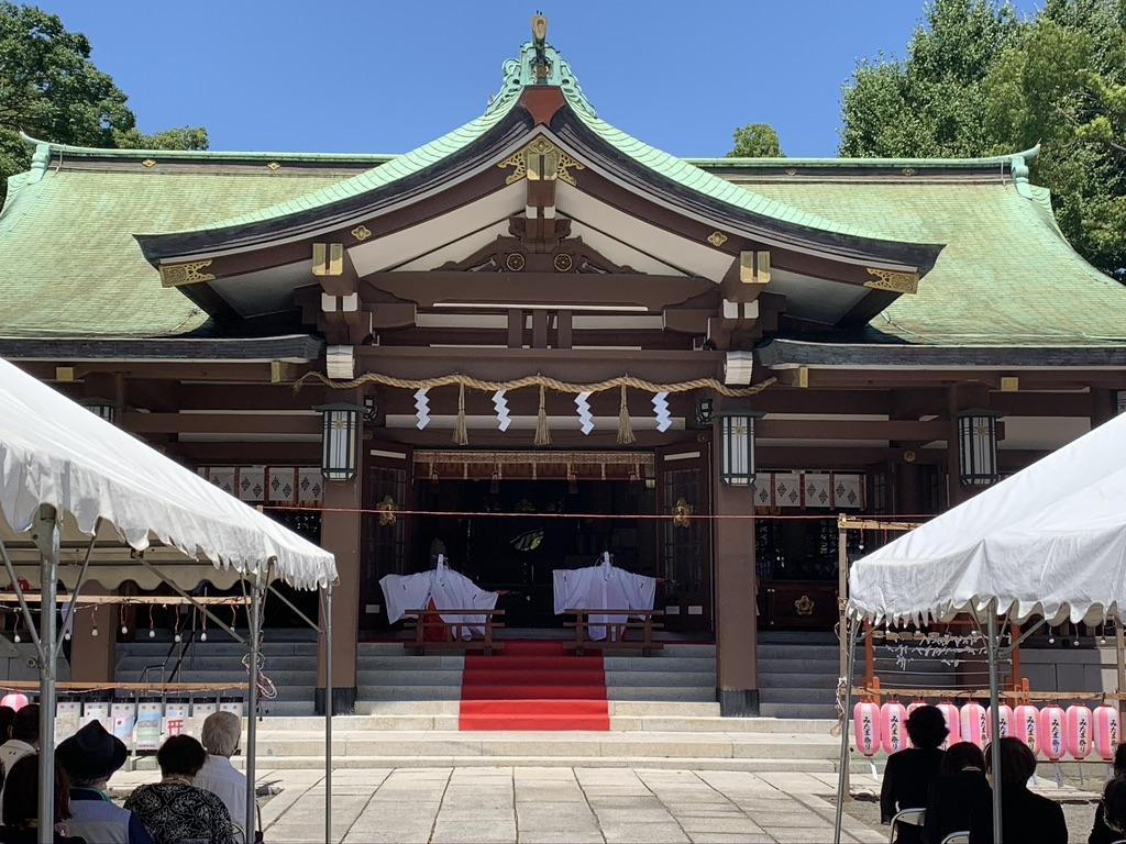 終戦記念日 大阪護国神社 英霊感謝祭 巫女 神楽