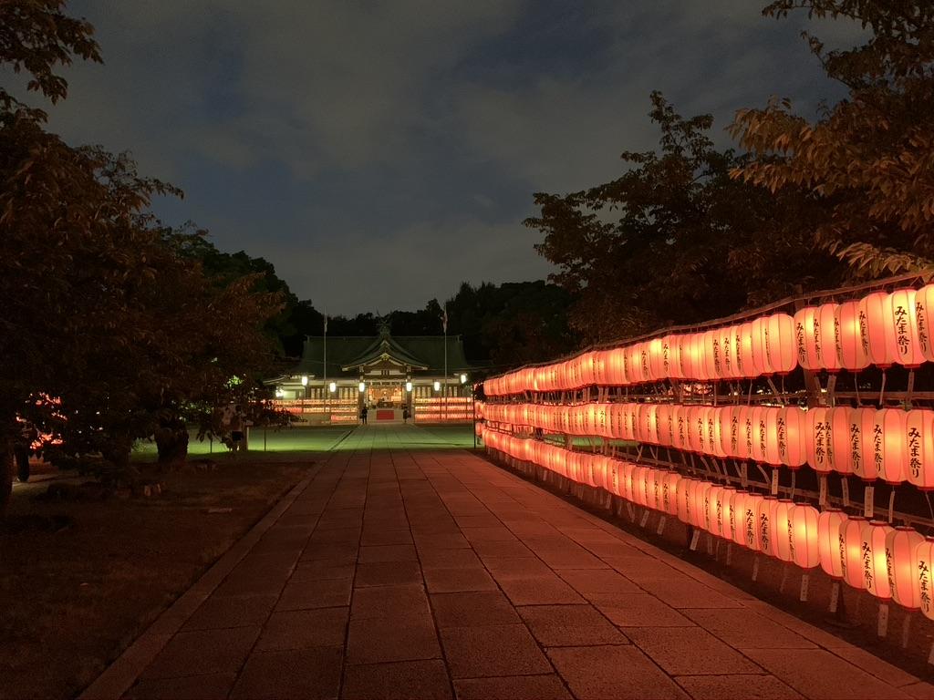 大阪護国神社 みたま祭り 参道