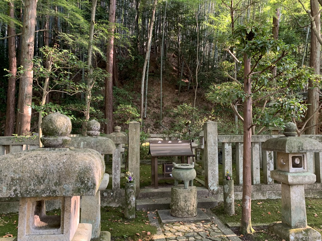 楠妣庵観音寺 墓所