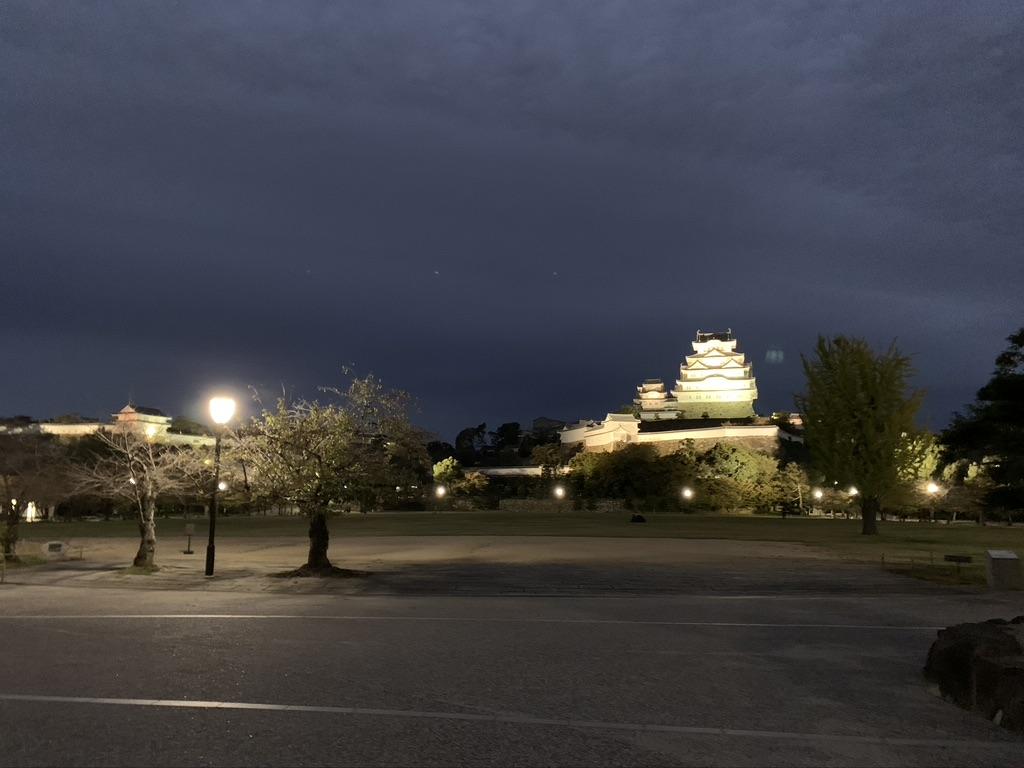 姫路城 夜 三ノ丸 天守閣 ライトアップ