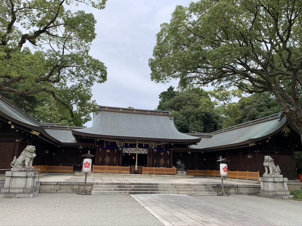姫路護国神社 拝殿 本殿