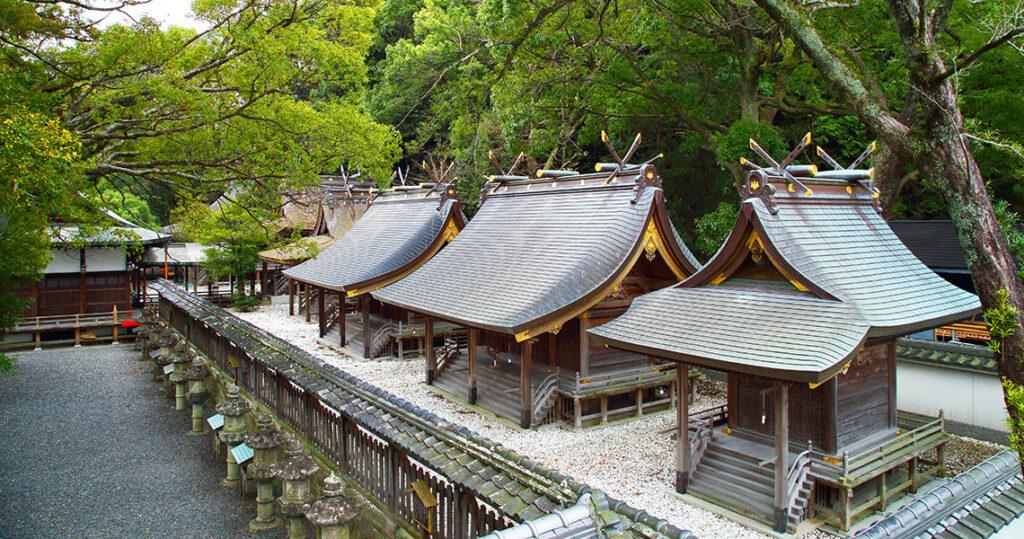 闘鶏神社 本殿 田辺観光公式ホームページ