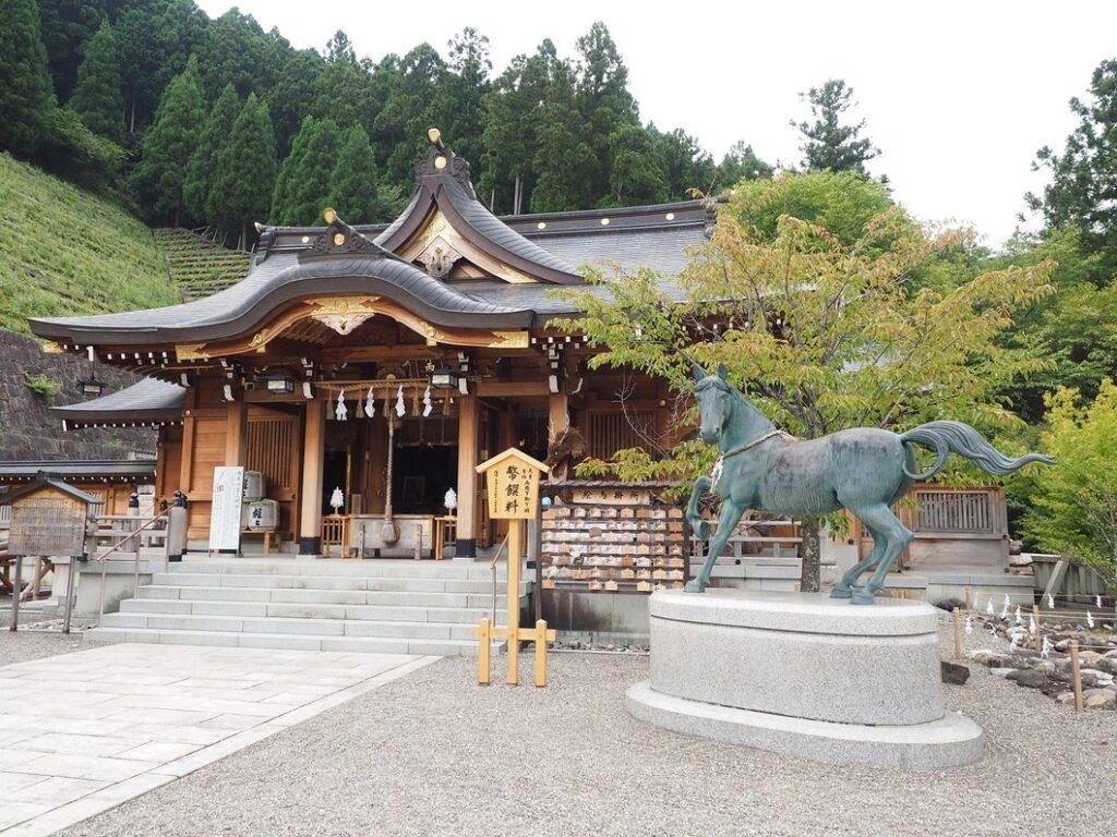 丹生川上神社上社 拝殿 奈良県公式観光サイト